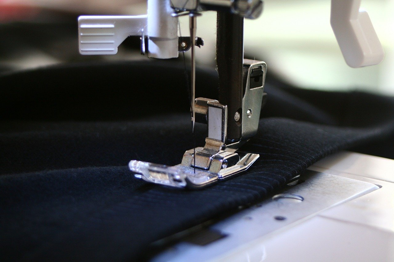 sewing machine, sewing, precision
